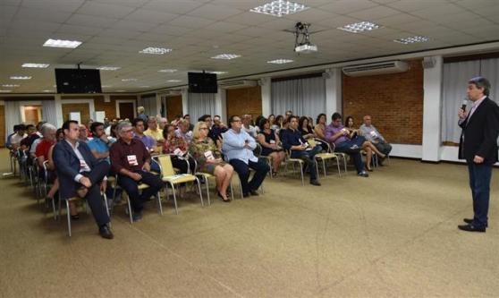 O público presente na abertura da segunda Convenção Aviesp