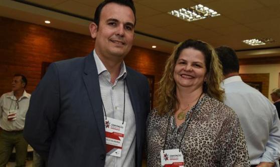 Marcelo Oliveira, assessor jurídico da Aviesp, e Sheila Amadio, da Sheila Turismo