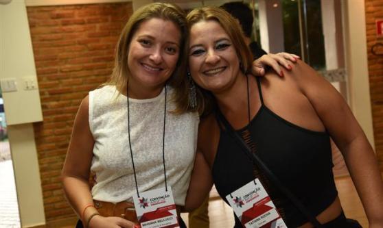 Mariana Bellucci, da Local Turismo & Receptivo, e Tatiana Rocha, da Rochatur