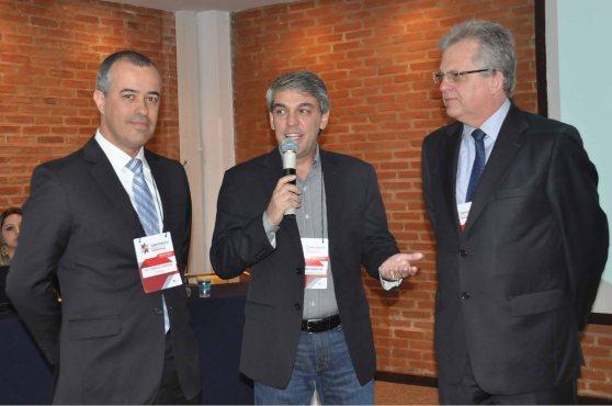 Luis Vargas, da Travelport, Fernando Souza, da Aviesp e Edmar Bull, da Abav Nacional