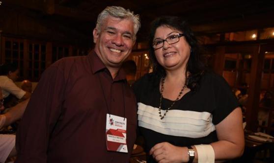 Marcelo Matera, da ABC Turismo, e Milagros Ochoa, representante da Comissão de Promoção do Peru para a Exportação e Turismo (Promperú) no Brasil