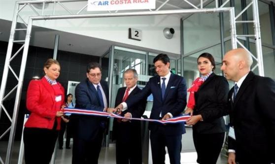 Momento da inauguração do escritório da Air Costa Rica em San José