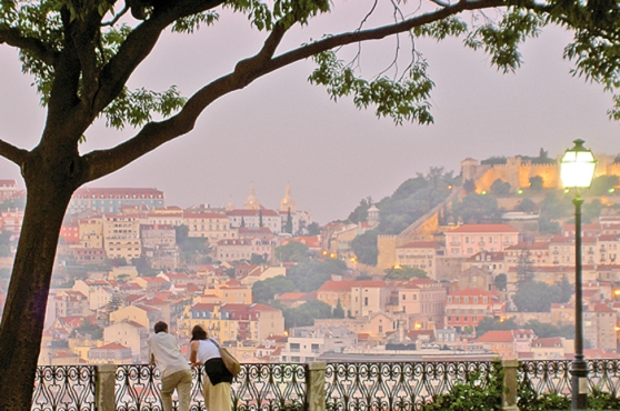 Miradouro São Pedro de Alcântara, em Lisboa Foto: VisitPortugal