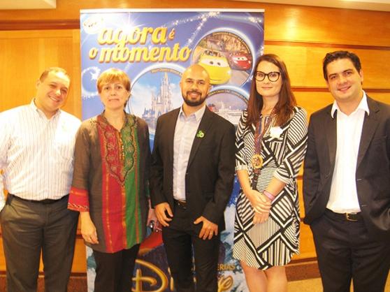 Luiz Araújo e Gabriela Delai, da Disney com Fabiano Araújo, Aline Freitas e Fernando Nobre da RCA