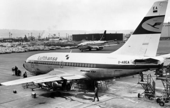 Primeiro voo do B737-100 (Lufthansa/Boeing)