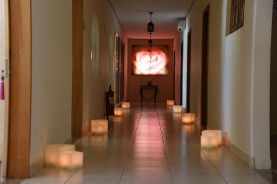 A área de spa conta com diversas salas de terapia e massagens