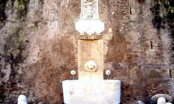 fontana-di-via-garibaldi