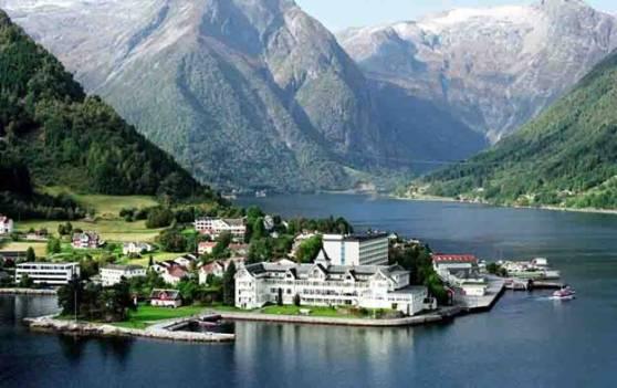 kviknes-hotel