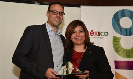 Mauricio Madeira, que recebeu os prêmios pela Latam e Latam Viagens