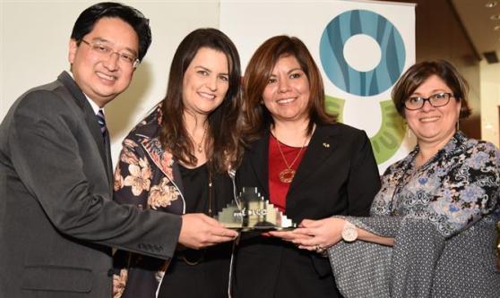Cássio Takano, Jacqueline Ledo e Nádia Kardouss, da Copa Airlines, com Diana Pomar