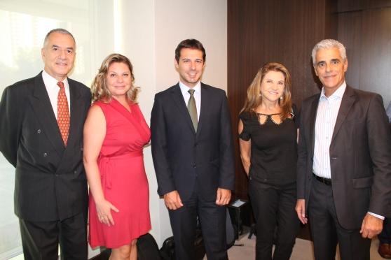 João Sabino (ABAV Nacional), Sara Souza (SPCVB), Eduardo Zorzanello e Marta Rossi (Festuris) e Marcos Balsamão (ABAV -SP)