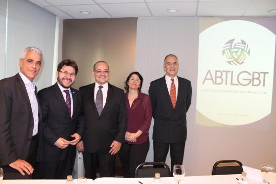 Marcos Balsamão (ABAV -SP), Gilson Lira (Emratur) , Marcelo Michieletto (ABTLGBT), Silva Chimenti (SPTuris) e João Sabino (ABAV Nacional)