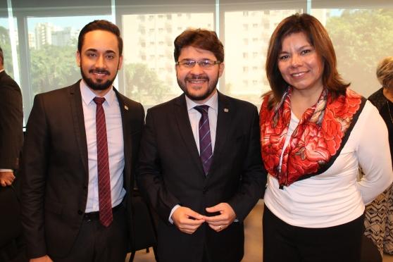 Wilson Andrade de Freitas e Gilson Lira (Embratur) e Diana Pomar (promoção turística do México)