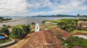 Baia Paraty - RJ. Crédito Rogério Cassimiro